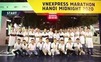 Bệnh viện Tuệ Tĩnh - Học viện Y Dược học cổ truyền Việt Nam tiếp sức cho các vận động viên giải chạy đêm Hanoi Midnight