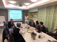 PGS.TS Đậu Xuân Cảnh – Giám đốc Học viện Y Dược học cổ truyền Việt Nam làm việc với viện Karolinska, Thụy Điển