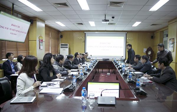 Đoàn kiểm tra của Bộ Giáo dục và Đào tạo làm việc tại Học viện Y Dược học cổ truyền Việt Nam về công tác tuyển sinh và đào tạo năm 2018