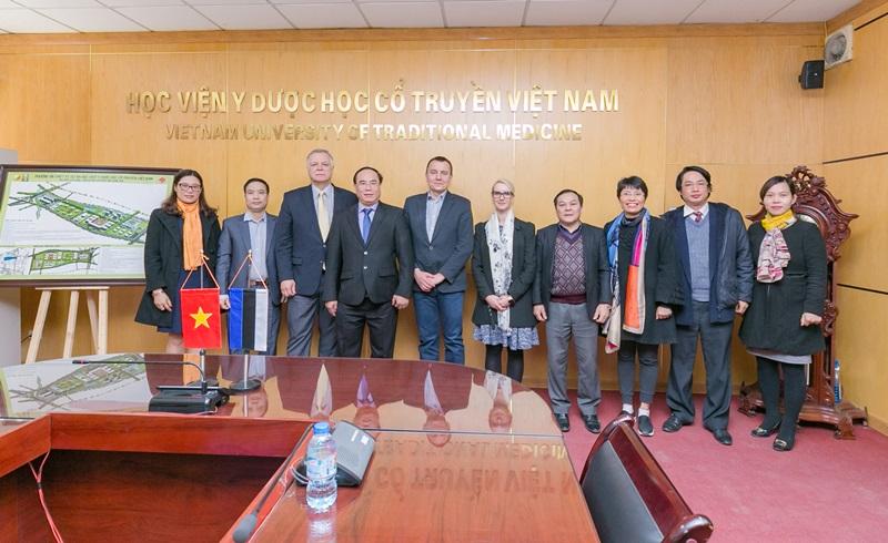 Học viện Y Dược học cổ truyền Việt Nam tiếp và làm việc với Bệnh viện Tartu, Estonia