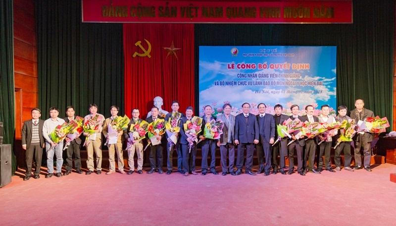 Học viện Y – Dược học cổ truyền Việt Nam: Trao quyết định giảng viên thỉnh giảng cho 41 bác sĩ của Bệnh viện Hữu nghị Việt Đức
