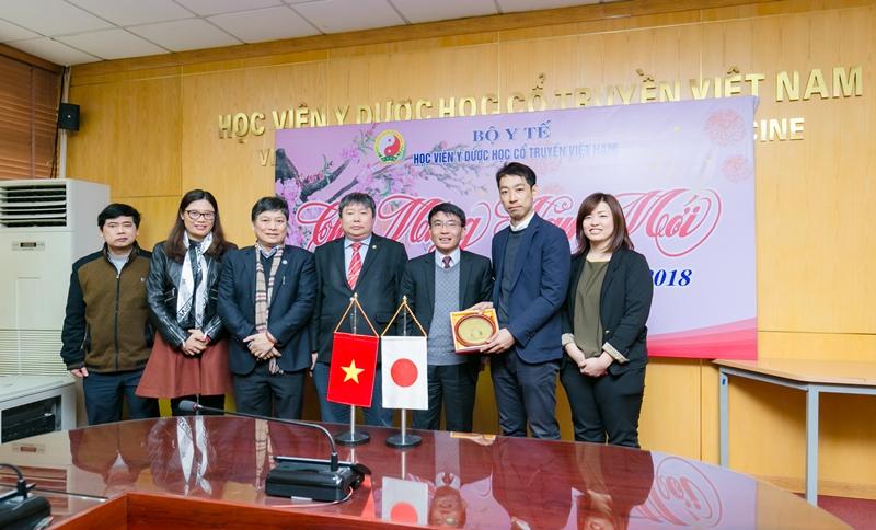 Học viện Y Dược học cổ truyền Việt Nam tiếp và làm việc với đoàn Nhật Bản