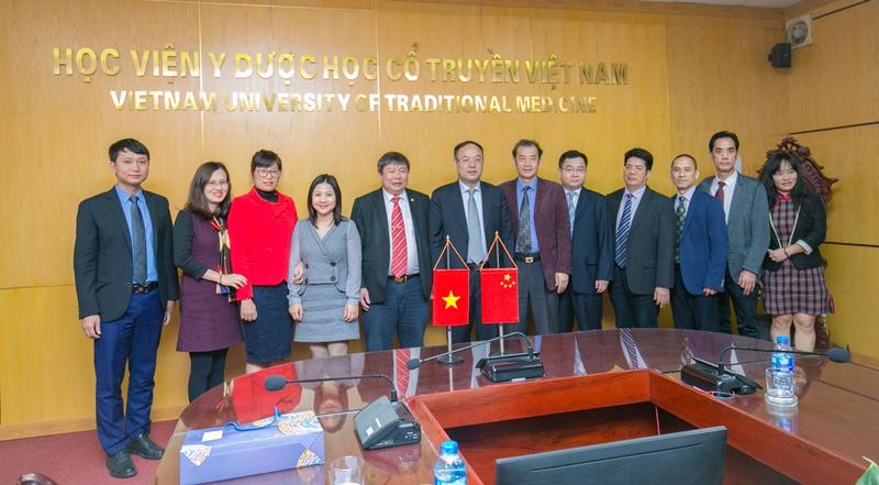 Học viện Y Dược học cổ truyền Việt Nam đón tiếp và làm việc với đoàn công tác Quảng Tây - Trung Quốc