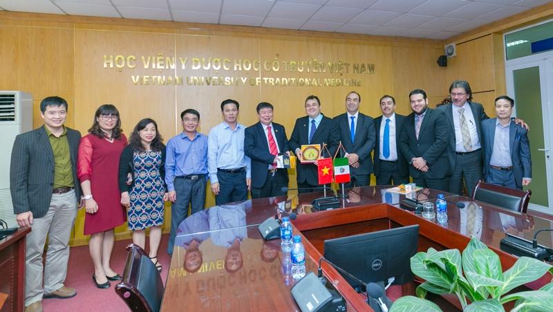 Học viện Y Dược học cổ truyền Việt Nam đón tiếp và làm việc với trường Đại học Zacatacas, Mexico