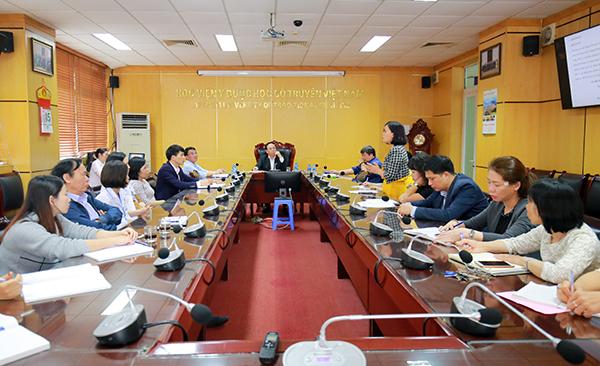 Học viện Y Dược học cổ truyền Việt Nam họp về việc thành lập trung tâm hỗ trợ sinh sản (IVF)