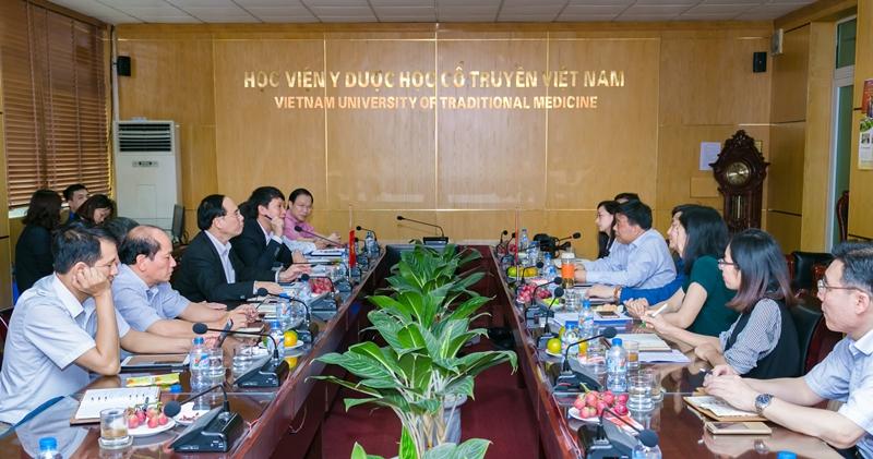 Học viện Y Dược học cổ truyền Việt Nam làm việc với đoàn Trung Quốc về việc xây dựng cơ sở 2 Học viện tại Hưng Yên