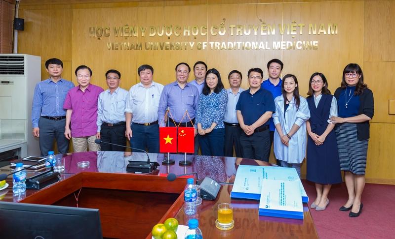 Học viện Y Dược học cổ truyền Việt Nam tiếp tục làm việc với đoàn Trung Quốc về việc xây dựng cơ sở 2 Học viện tại Hưng Yên
