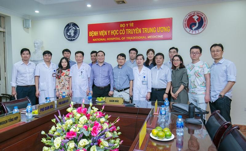 Học viện YDHCT Việt Nam, đoàn khảo sát Trung Quốc làm việc với Bệnh viện Y học cổ truyền Trung ương