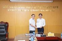 Ban Giám đốc Học viện Y Dược học cổ truyền Việt Nam giao nhiệm vụ kiêm nhiệm đối với viên chức Học viện