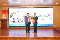 Học viện YDHCTVN trao quyết định bổ nhiệm chức danh Phó Giáo sư năm 2018 của Học viện cho PGS.TS. Nguyễn Xuân Hiệp – Bí thư đảng ủy - Giám đốc Bệnh viện Mắt TW