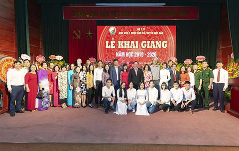 Học viện Y - Dược học cổ truyền Việt Nam tổ chức khai giảng năm học 2019 - 2020
